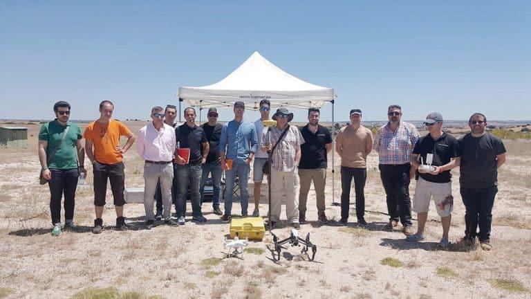 curso topografía con drones campo de vuelo aerocamaras