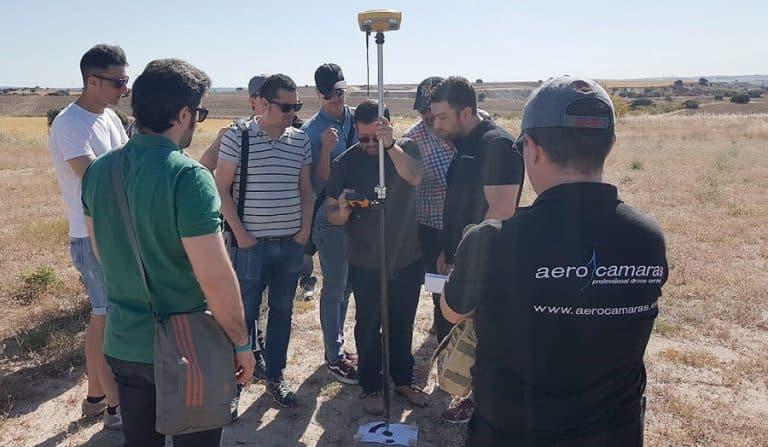 curso topografía con drones campo de vuelo cuarta aerocamaras