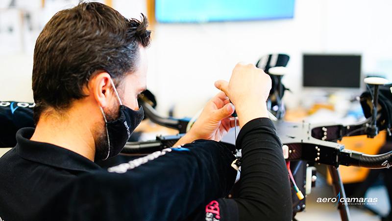especialista en montaje y mantenimiento drones