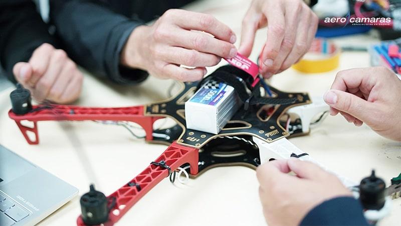 montaje-y-mantenimiento-drones-aerocamaras